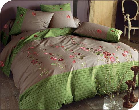 Parure de lit fleurie chez Becquet   Les Minie's du Guide Beauté Femme