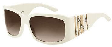 Elles aussi s affichent impunément sur les minois, ces lunettes aux verres  fumés et montures massives qui ne laissent apparaître que la bouche glossée  de la ... f81c2fe1586b
